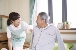 【夜間看護staff】*◆ 稼げる夜勤 ◆*急な出費にも嬉しい!日払いOK♪有給・育休など待遇も充実◎長く安定して働ける環境です!