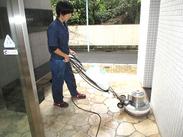 ≪機械を使ってらくらく清掃≫ 床掃除がメイン!写真のような機械を使って、日常の掃除感覚でOK◎難しい操作はありません☆