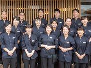 広島宮島の人気ホテルのおもてなしスタッフ! 制服は洋装! 女性スタッフ活躍中!
