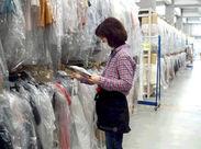 伝票通りに棚から商品を選び、梱包して発送するだけ! お店に並んでいない最新アイテムもチェックできます★゜*