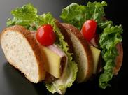 パンや焼き菓子、ケーキを販売するブランジュリー&パティスリーです★おいしいサンドイッチはお店でも大人気の一品♪