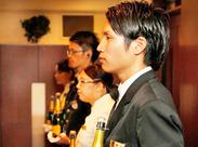 ホテルや結婚式場での配膳サービスをお願いします♪ 未経験でも先輩しっかりフォロー◎ 同世代のスタッフもいるので安心ですよ!