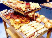 駅ナカの人気ベーカリー♪ 雰囲気/パンの味/見た目は文句ナシ 「パン屋さんで働くのが夢」 「パンが好き」など理由は何でもOK!