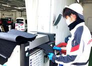 ↑マットを洗っている写真♪機械に入れるだけでキレイになります☆誰でも出来るカンタン作業♪