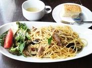 駅近の洋食食堂♪ カジュアルな店内なのに、 本格洋食料理が魅力的なお店!