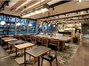 おしゃれ&ゆったりくつろげる店内♪カフェタイムは癒し空間・バータイムはオトナ空間★色んな楽しみ方ができますよ♪