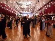 ゴージャスな空間でダンスやバンドを楽しむ…まさに<大人の社交場★*めったにないレア案件です。