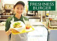 フレッシュネスバーガーでは、ハンバーガーショップやカフェでのアルバイトが未経験だった方も多数活躍されています!