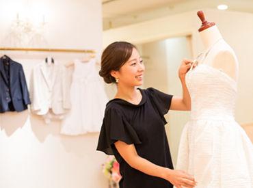 【スタイリングアシスタント】*。*ドレスやジュエリーetc…*。*結婚式衣装のドレス/和装サロン♪素敵な空間で楽しみながら働ける*オシャレ好き注目*週1~