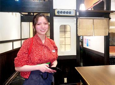 京都らしい温かみのある、居心地のいいお店♪ 新生活前に新しいバイトを始めよう◎ ワイワイ明るい大学生さん多め!