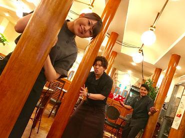 【ホール&キッチン】\初バイト大歓迎!/テストが落ち着いてから勤務開始でもOK◎★あったかい仲間が待ってます★ココにしかない雰囲気が魅力♪