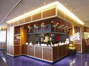 立ち食い寿司というスタイルで営業!お客様に気軽に立ち寄っていただくための工夫なんだとか。