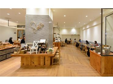 【販売・カフェスタッフ】★カフェ好き必見★可愛い雑貨もアリ◎挽きたてのコーヒーの香りがたまらない!オシャレカフェで楽しく働こう…☆