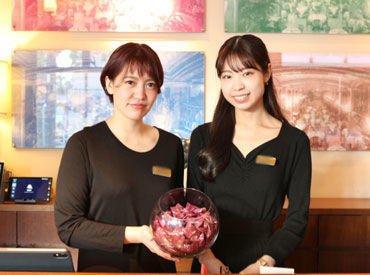 レセプションはお店の花形です♪ 海外からのお客様も多いので、語学力を活かすこともできますよ◎