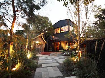 【ホール/キッチン】築60年のアトリエをリノベーションした、鎌倉を代表するオシャレなCAFE&DINING♪*緑溢れるガーデンテラス,開放的に働ける…+゜