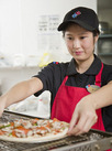 アツアツ美味しいピザを、一緒に作りましょう★お客さまの笑顔を思い浮かべながら♪