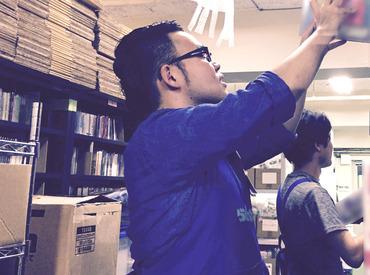 【仕分け/梱包】◆アニメ/マンガ/ゲーム関連のおシゴト◆★10名以上の大量募集★未経験OK!好きを仕事に!残業なし&10時出社OK◎髪/服自由!