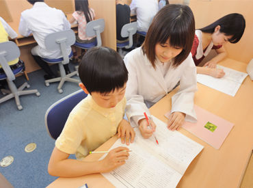 """大切なのは…""""話を聞くこと"""" 勉強を教えたりするより、 生徒から困った事、分からない事を聞いて 『応えてあげる』ことが大事◎"""