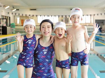 子ども達の笑顔がいっぱいのスイミングスクール♪ 体づくりを通して、子ども達の心の健康も育むことが目標です◎