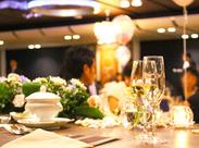 ホテルから結婚式場まで勤務地もいろいろ! また、ブライダル業経験者は《 単発 》でもOK!