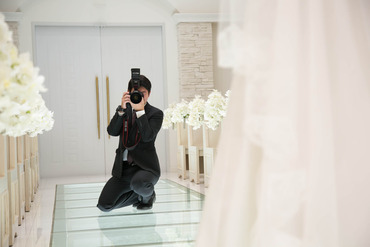 """【撮影補助/制作アシスタント】≪幸せの瞬間を""""1ページ""""に…≫⇒結婚式の動画撮影・アルバム制作などのお仕事!あなたのお仕事が、感動を作るお仕事♪"""