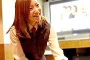 【笑顔でお客様をお出迎え】 慣れてきたらきっとアナタもやりがい・楽しさを感じられますよ★先輩スタッフがフォローします♪