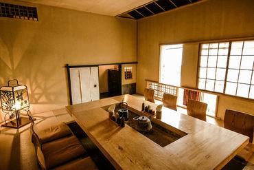 創作和食が楽しめるオシャレダイニング♪ 蔵や長屋が立ち並ぶ城下町をイメージした 古き良き日本を感じられる内装です*