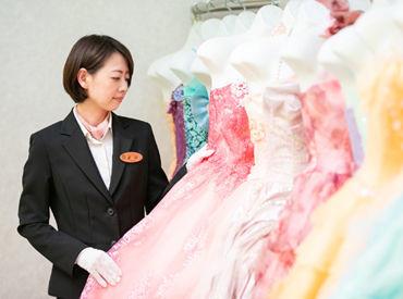 ドレスなどステキな衣装がいっぱい! 沢山の衣装の中から 新郎新婦にピッタリの衣装をご提案★