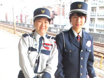 【警備STAFF】『新宿駅まで行くのはどの電車ですか..?』『この映画館に行きたいんですけど...』 など駅構内での道案内がメインのお仕事◎