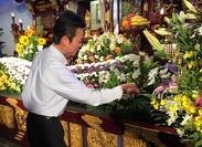 冠婚葬祭や講演会の会場をお花で彩ります。
