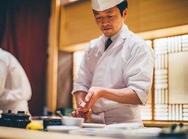 【カジュアル寿司】オープニング案件あり!まったく未経験の方も大歓迎!「お寿司を握ってみたい」その気持ちだけでOK★資格を取りたい方にも◎