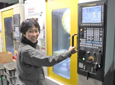 【加工/梱包など】<▼作業は、>機械にセット&ボタンを押して、出来たものを、検査するだけ♪未経験も大歓迎!全部丁寧に教えます★