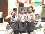 勤務開始は「学校が落ち着いてから」でもOK♪新しい店舗で、店内もキレイ☆人気のCAFEバイト★