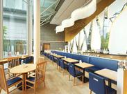 ≪オシャレなカフェ&ダイニングのホール≫おもてなしの接客・マナーが身につくお仕事です。就活にも役立ちます♪
