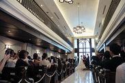 """新郎新婦様にとって最高の1日となる""""結婚式""""!写真や映像にして一生の思い出にする…お手伝いを一緒にしませんか?"""