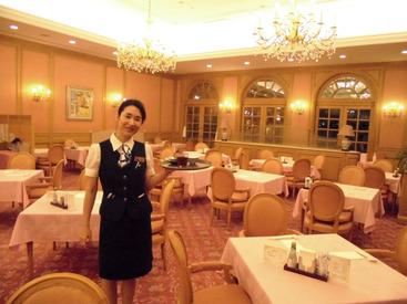 """【レストランSTAFF】経験者さん、初めてバイトさん、主婦(夫)さん歓迎!≪週2/3h~≫空いた時間で◎有料老人ホームで、""""食事タイム""""のお手伝い♪"""
