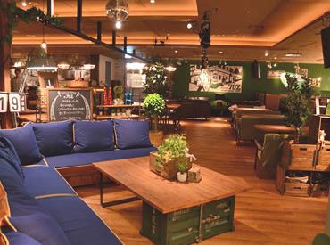 ≪なんばパークス内≫ 人気のカフェで働こう! シェアハウスみたいなお洒落なお店★
