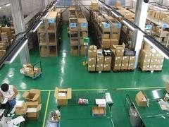 【倉庫内作業staff】食品工場の倉庫内でのオシゴト!<20~40代の男性が多数活躍>▼歓迎体を動かすことが好きな方、丁寧な作業ができる方