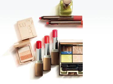 【LUNASOL(ルナソル)スタッフ】<美容部員を募集♪>注目度NO.1のアイシャドウを始めリップやチークのメイクアップから基礎化粧品まで豊富なラインナップ★