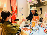 <とちまるショップ>で働きませんか?栃木県内全域の食品、雑貨など幅広い商品が並ぶショップ!見ているだけでも楽しいですよ♪