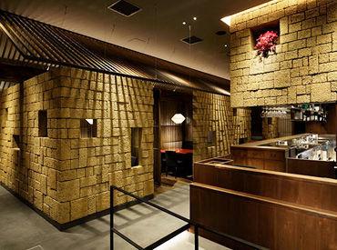 【焼肉トラジ コクーンシティ店】 韓国の伝統家屋の村がコンセプト* 旅行気分で楽しく働けますよ♪
