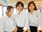 いつも和気あいあいと楽しく働いています♪関西の観光名所「須磨海浜水族園」内の人気のレストランでのお仕事です♪