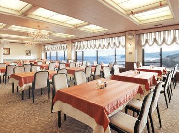《ハートピア熱海》は絶景と海の幸、 2本の源泉が自慢のホテル♪ アットホームな雰囲気で、 肩ひじ張らずにお仕事できます◎