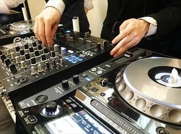 """【音響スタッフ】音楽好きなアナタへ♪""""「音」をツールに盛り上げるお仕事☆。*未経験大歓迎★「土日祝」だけで稼げます~(♪)"""