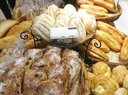 お仕事やパンの種類は少しずつ覚えてくれればOKです!まずはできることから1つずつ♪楽しく働きましょう☆