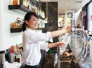 ≪飲食バイトの未経験歓迎≫ マニュアルはありません! お客様と近い接客ができますよ♪ あなたらしい接客をすればOKです◎