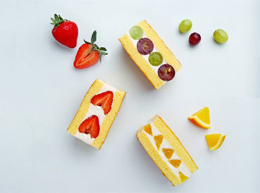 ≪話題商品♪≫旬のフルーツを贅沢に使ったフルーツサンド