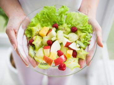 働きながら、自然と料理のレパートリーも増えちゃう♪食材カットやお皿の洗浄など、初めはカンタンなことからお任せします◎