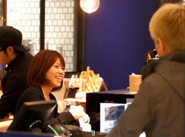 【ホールSTAFF】*○パンとコーヒーの香りに包まれて働ける○*NYマンハッタン発の人気Bakeryカフェ♪≪興味のある業務を選択できます★≫