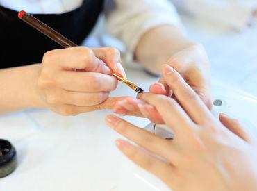 """【ネイリスト】""""爪の健康もあきらめない""""大人の女性のためのネイルサロン♪JNEC2級以上であればOK!先輩スタッフの8割は未経験スタート◎"""